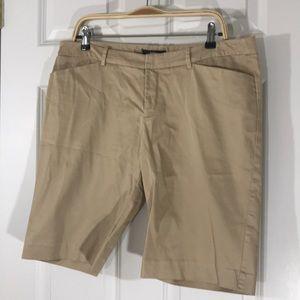 Khaki stretch cotton shorts